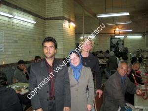 """Le Norvégien, un Iranien et moi dans une """"taverne"""" réservé pour les hommes à Tabriz, Iran"""