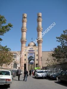 Entrée d'un marché/souq lors de ma première journée à Tabriz, Iran